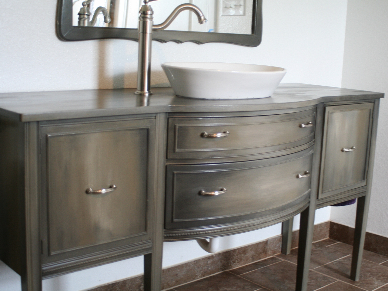 Painted Vanity | the rescued home