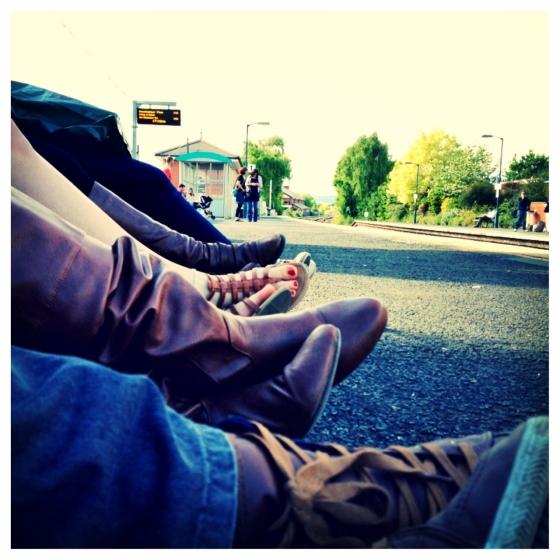 feet (1280x1280)